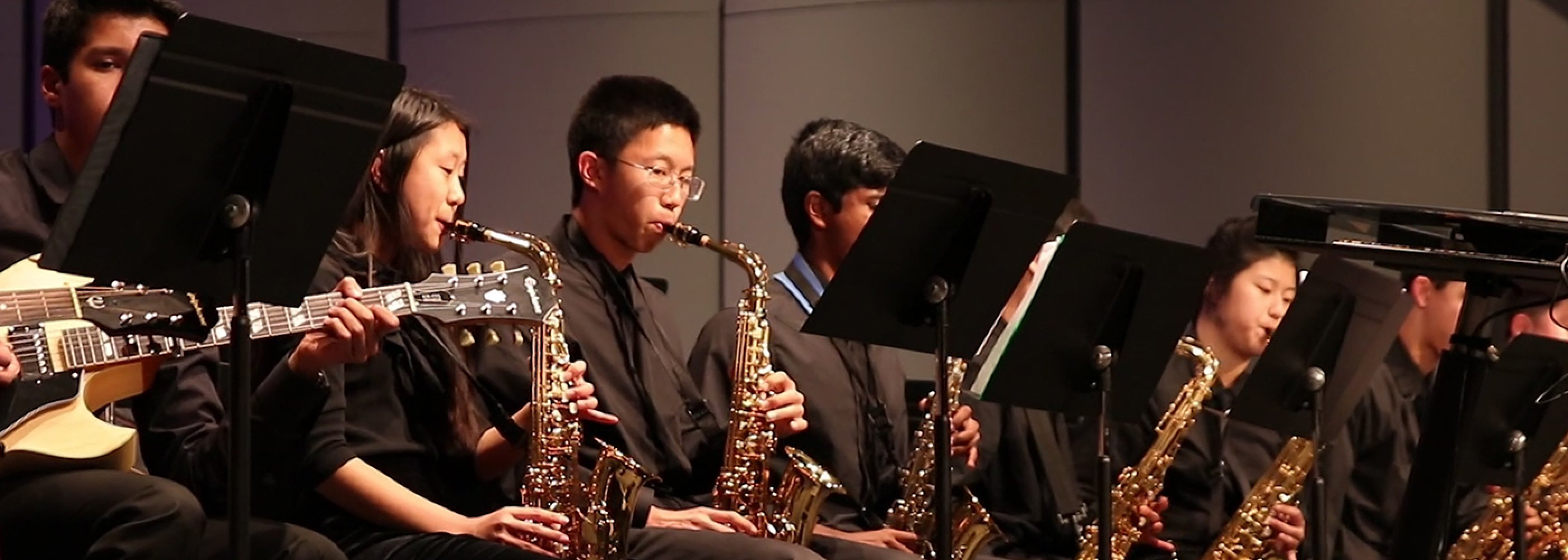 Students playing Saxaphones